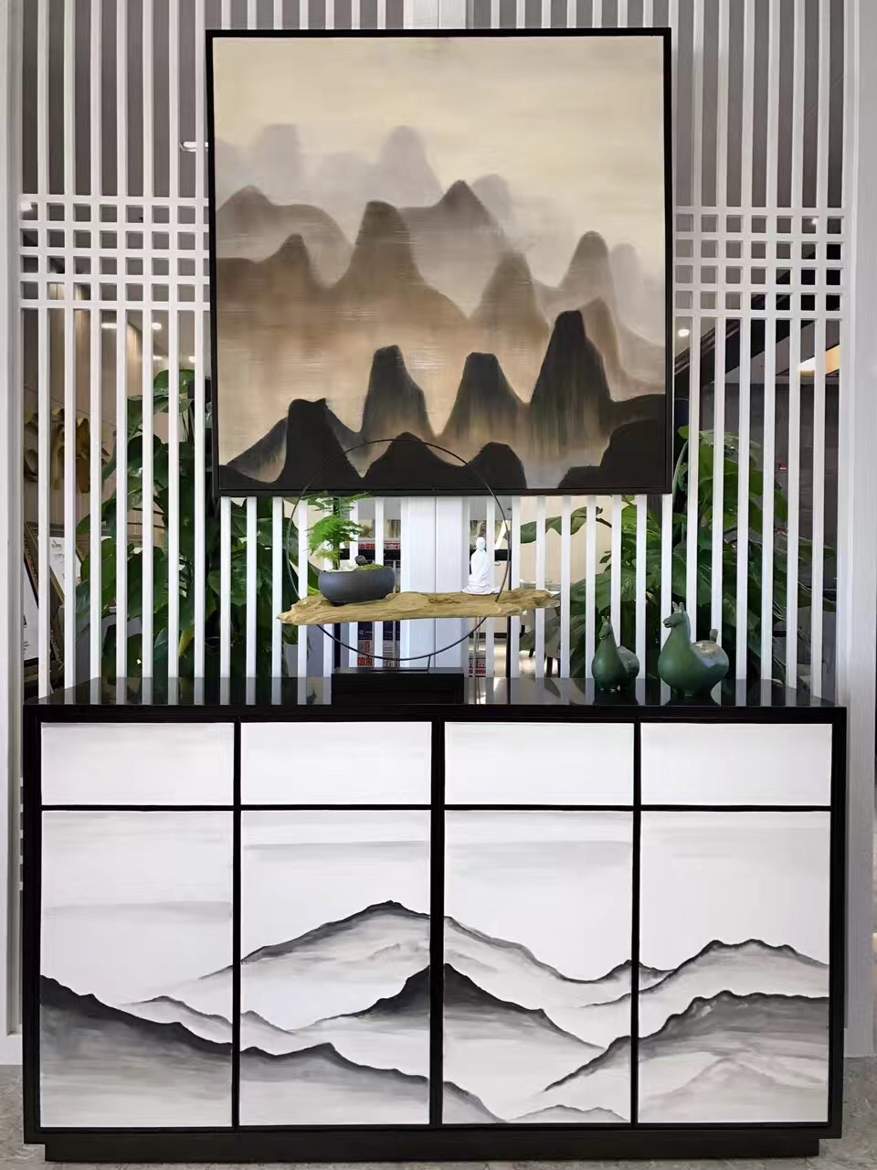见山悦水 · 湖东春天售楼处家具案例